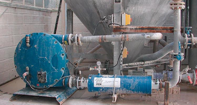 Bomba peristáltica PCM Delasco™ en el sitio de un cliente – Serie DL35