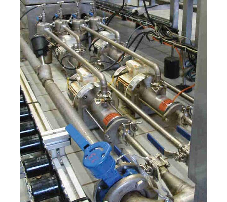 Pompe à cavité progressive alimentaire en inox PCM EcoMoineau™ C stator flottant sur site