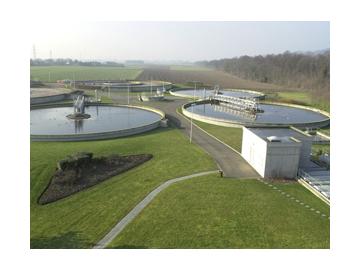 Pompe e sistemi per il trattamento e la gestione efficace delle acque di scarico urbane ed industriali