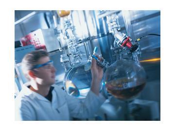 Sistemi di pompaggio PCM per il trattamento dei fluidi corrosivi e fragili dei prodotti chimici