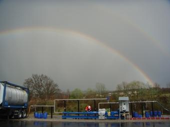 PCM on-shore surface transfer pumps