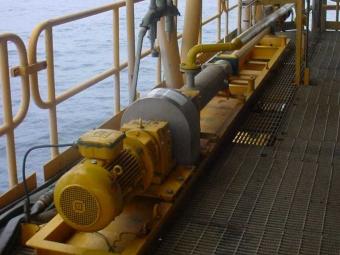 Bomba PCM para drenaje abierto en un plataforma costa afuera en Qatar