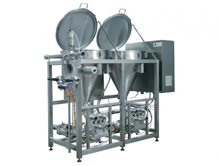 PCM hopper station - equipment for new fruit injection