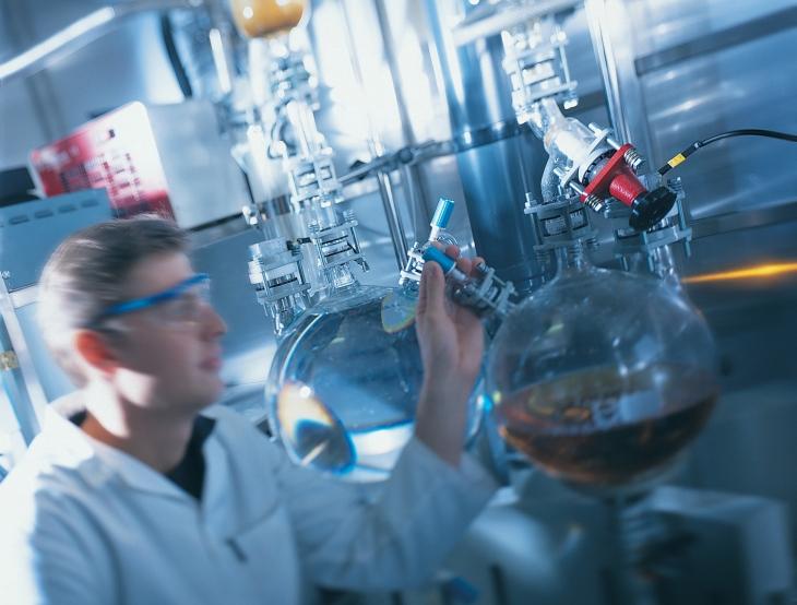 Насосы и системы ПСМ для перекачивания и дозирования для химической промышленности